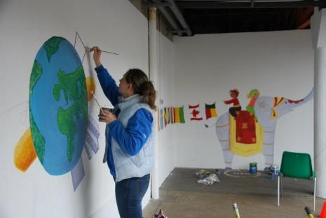 Fresque sur le th me enfants du monde ptit blog d 39 une for Peinture murale enfant