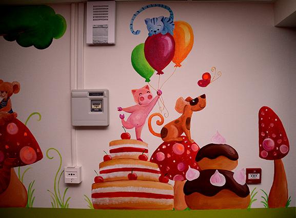 fresque pour les enfants dans le restaurant scolaire