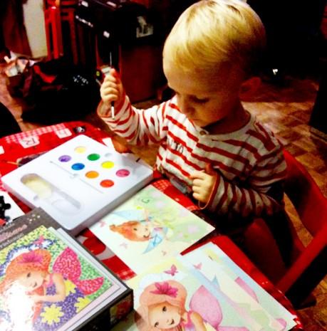 Mon fils peint une fée du coffret crealign