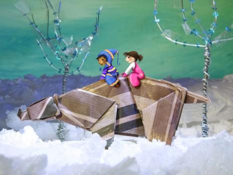 illustration d'enfants sur le dos d'un ours au Népal