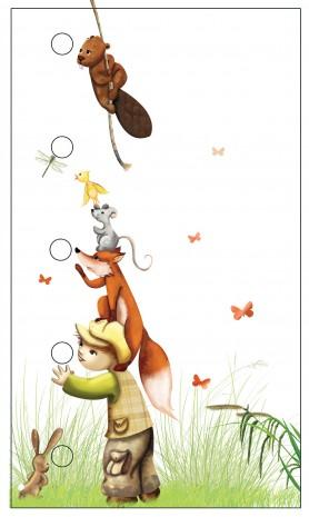 enfant qui a sur ses épaules un renard, une souris et un oiseau